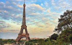 埃菲尔铁塔关闭100多天后重开放